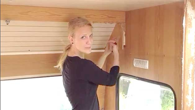 VIDEO Remodeling An Old Camper Part 2
