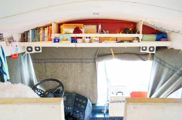 front-bus-shelves