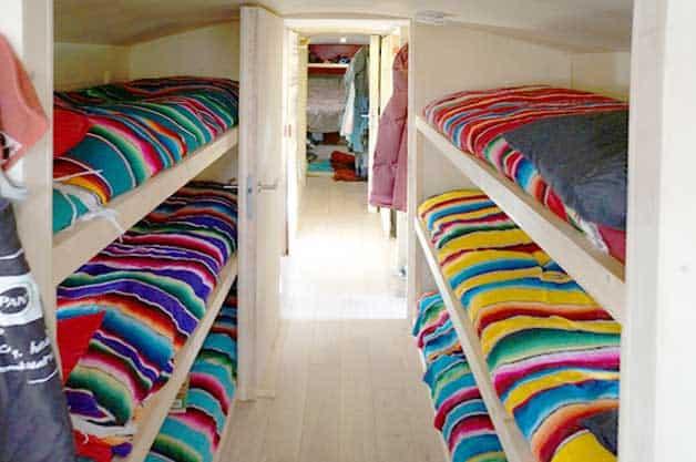 sleeping-bunk-bed
