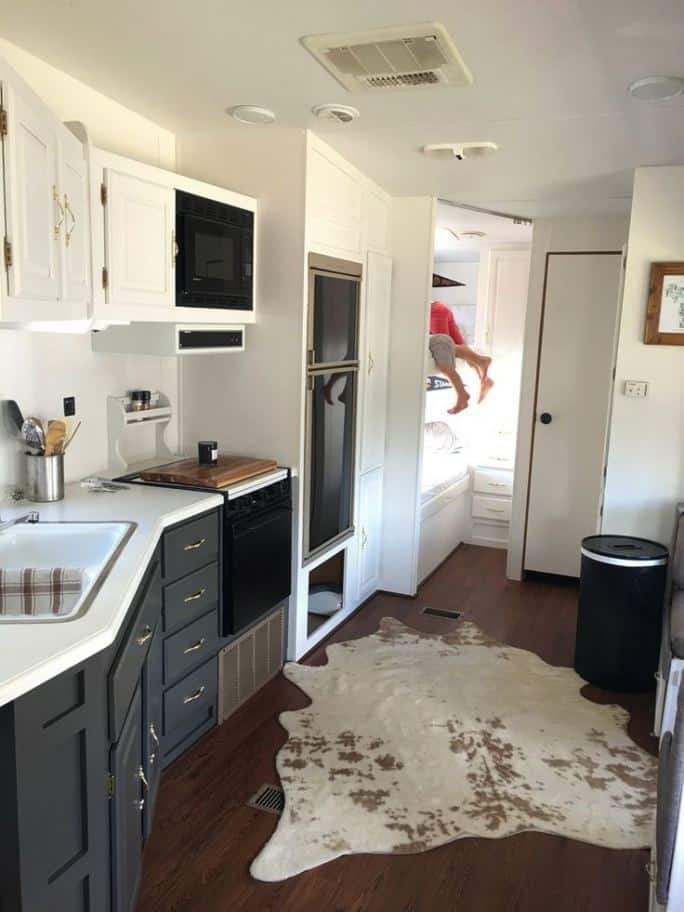 Notice How The Counter Space Is Curved In Order To Fit Inside The Motorhome  Floor Plan: