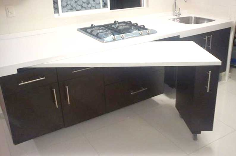 Slide-out kitchen counter