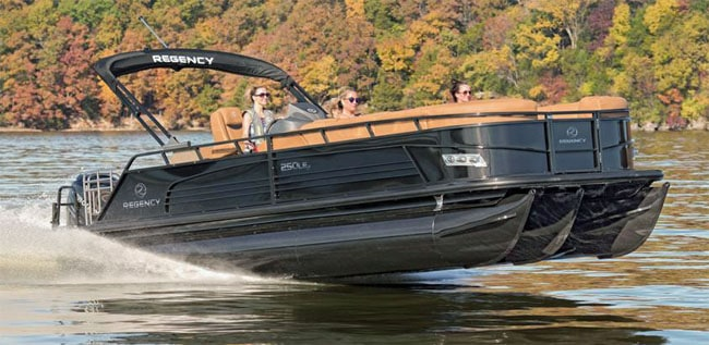 15 Most Common Problems With Pontoon Boats With Examples