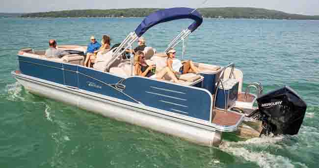 Admirable 10 Popular Boats With Rear Facing Seats With Pictures Dailytribune Chair Design For Home Dailytribuneorg
