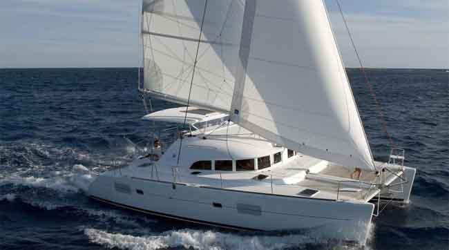 20 Popular Boats With Good Living Quarters (Prices & Pictures)